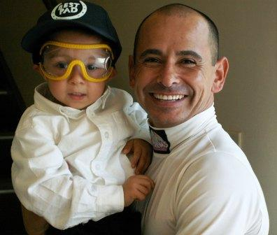 Jockey Mike Smith holding Max at Keeneland 2005
